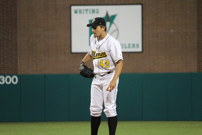 Game Notes: Oilmen, Lakers go at it for final time this season
